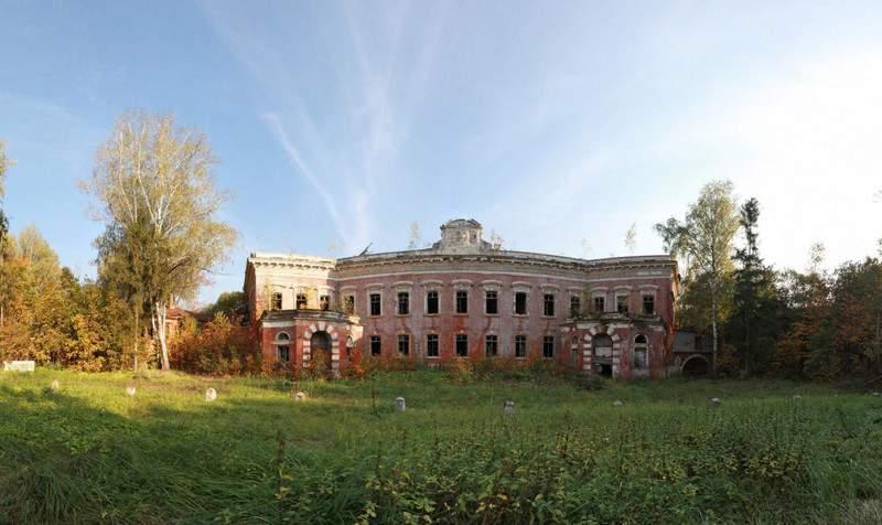 Рис.3. Развалины усадьбы «Семеновское-Отрада», где был похоронен граф Григорий Орлов