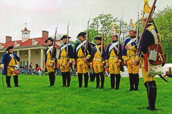 Рис. 2. Шведская армия середины 18-го столетия, фотография реконструкции